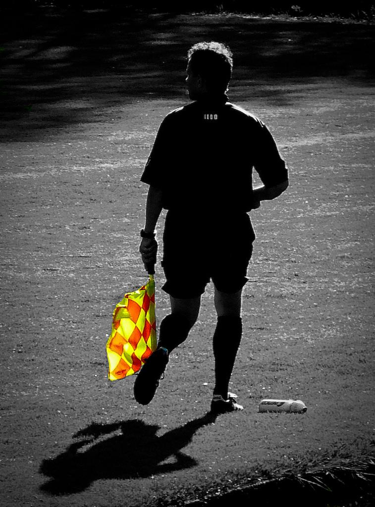 arbitre de foot autorite